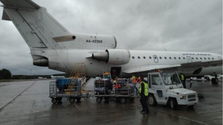 Самолет, летевший в Уфу, совершил аварийную посадку в Красноярске