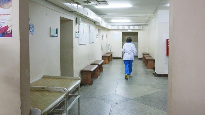 СК отказался заводить дело о смерти ветерана на лавочке в южноуральской больнице