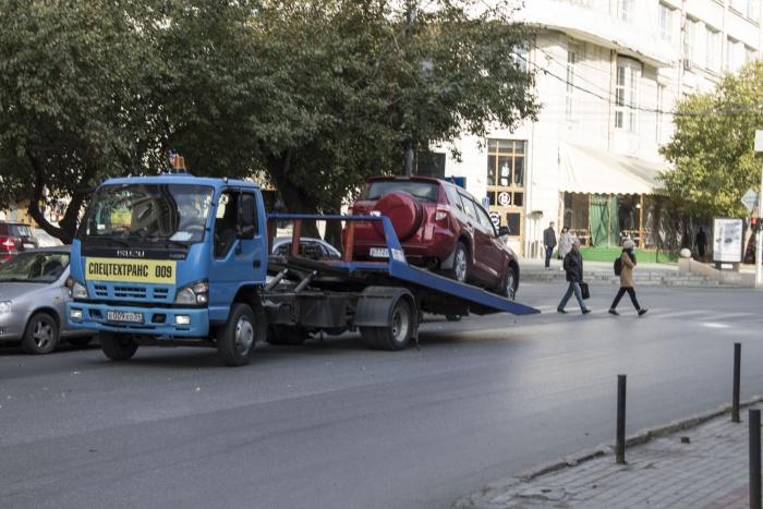 Тариф на эвакуацию и хранение машин подняли в среднем на  1,5 %