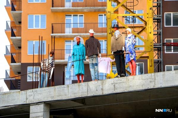 Вместо людей в «Европейском квартале» поселились манекены