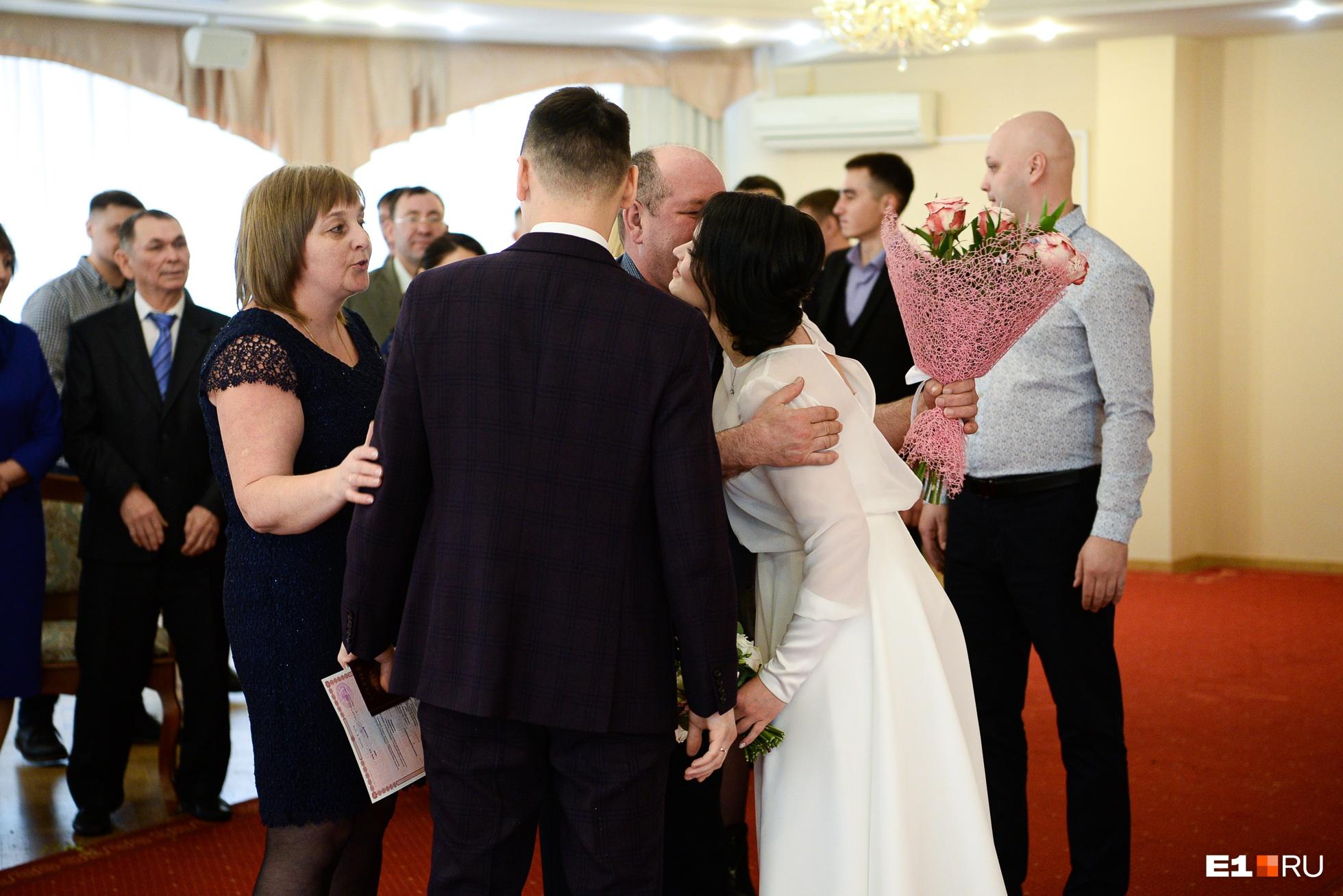 Александр и Ирина тоже женились в кругу самых близких