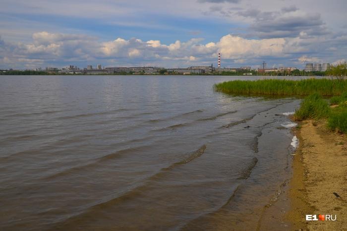 Кусок набережной Верх-Исетского пруда, который будет благоустроен