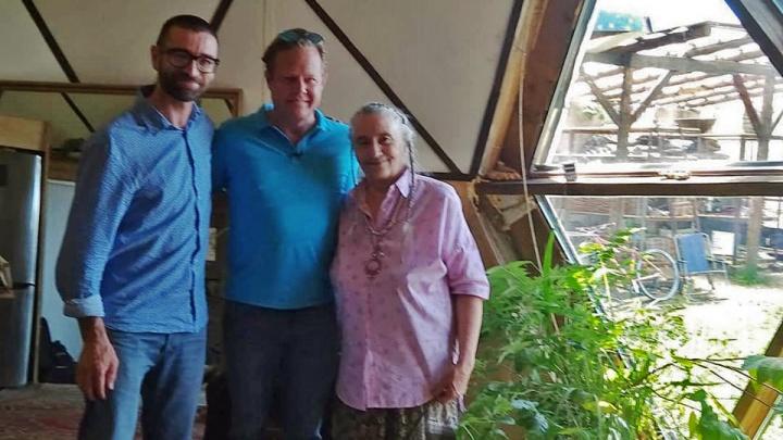 Шоумен с НТВ приехал в Новосибирск поесть каши с сосновыми иголками
