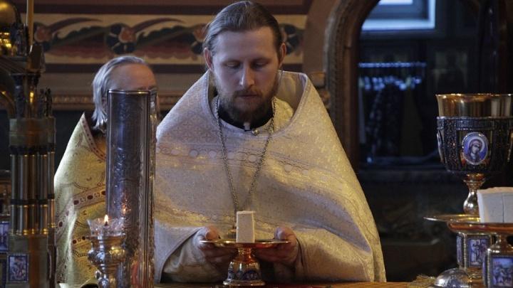 «Господь благословил»: челябинский священник прославился на YouTube с православным блогом