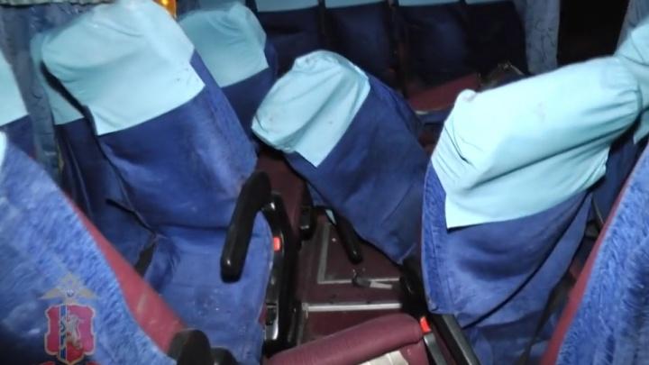 «Водитель был зажат металлом и кричал от боли»: пассажир искорёженного автобуса рассказал об аварии