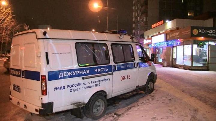 Сыщики поймали екатеринбуржцев, которые грабили салоны сотовой связи на ВИЗе и Уралмаше
