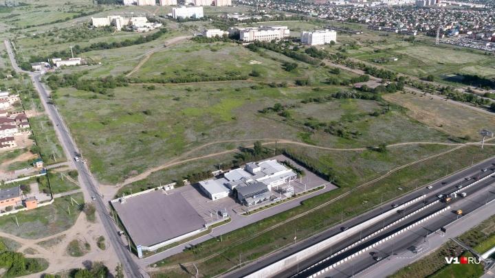 Волгоградские чиновники заказали проект детской больницы около ВолГУ раньше, чем получили участок