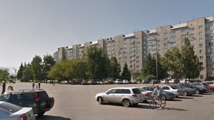 Возле площади у БКЗ заказали детскую площадку за 4 миллиона