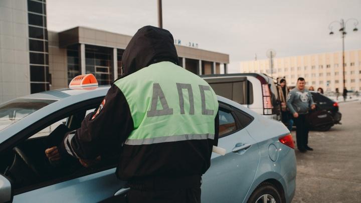 Тюменские власти запретили мигрантам водить автобусы и такси