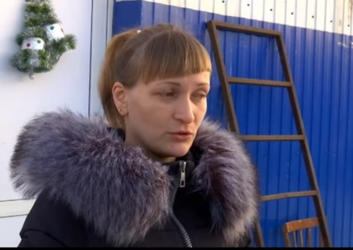 Мама школьницы Анастасия пообщалась с журналистами