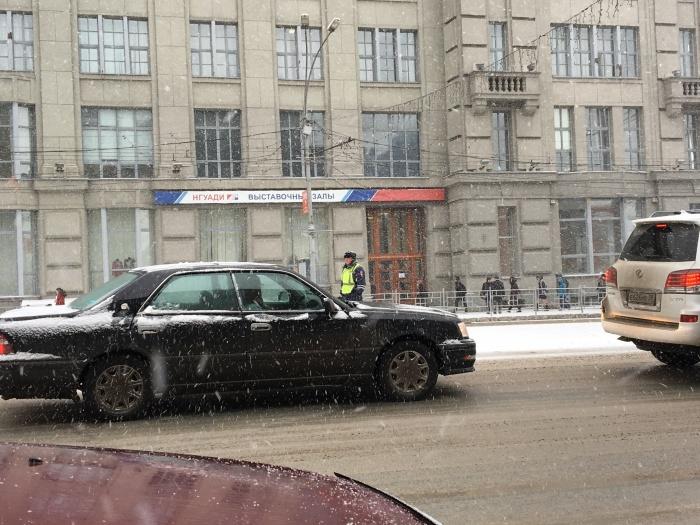 Парковку на площади Ленина закрыли ещё до обеда