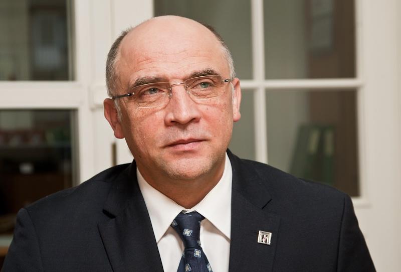 Один из авторов тренинга СергейМакшанов