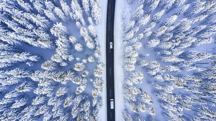 Снимок зимней дороги, сделанный уральским фотографом с квадрокоптера, попал на международный конкурс