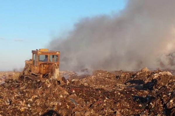 Мусорные свалки являются постоянным источником проблем для Омска: например, там время от времени происходят пожары. Однако скоро город может остаться без последних полигонов для сбора отходов