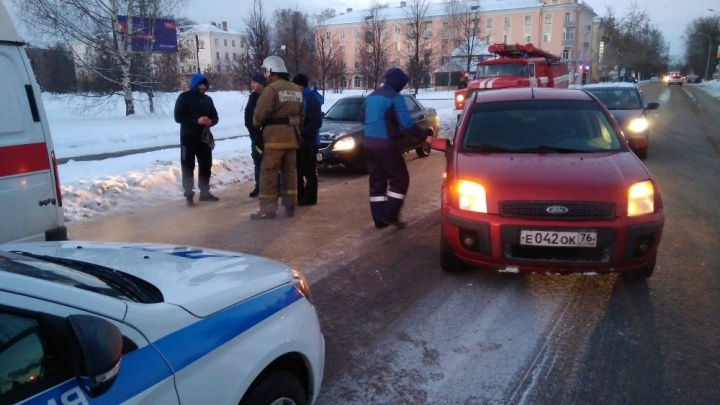В Ярославской области «Лада-Приора» сбила пешехода: первые подробности