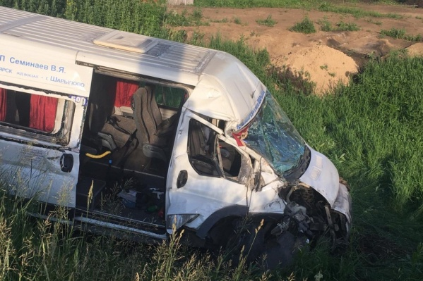 В аварии получили травмы 9 человек