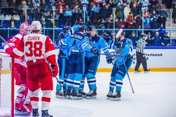 Новосибирцы забили победную шайбу в овертайме