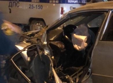 Спасателям пришлось доставать водителя из поврежденнойMazda 6