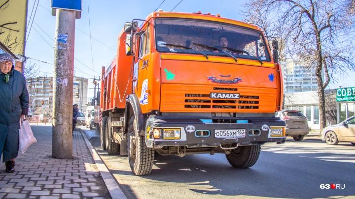 В Самаре не хватает водителей снегоуборочной техники