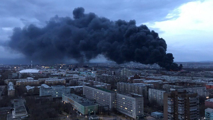 При пожаре на «Бирюсе» сгорело 50 тысяч холодильников. В МЧС назвали возможную причину