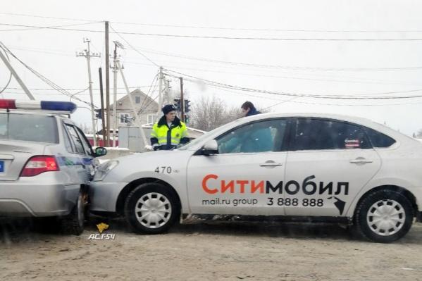 Полицейским не пришлось далеко ехать, чтобы оформить очередное ДТП