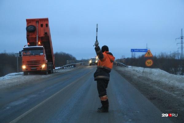 Дорожники обследуют состояние автострад