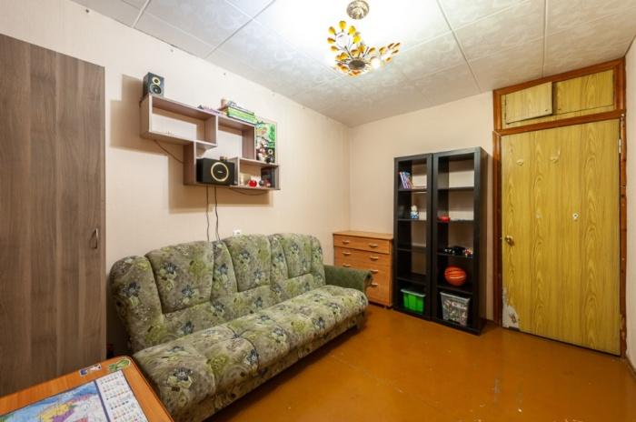 Комната в трешке в Кольцово, где самая низкая стоимость квадратного метра