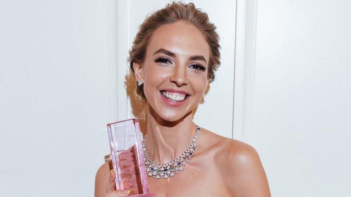 Наденька из Comedy Woman стала женщиной года по версии журнала Glamour