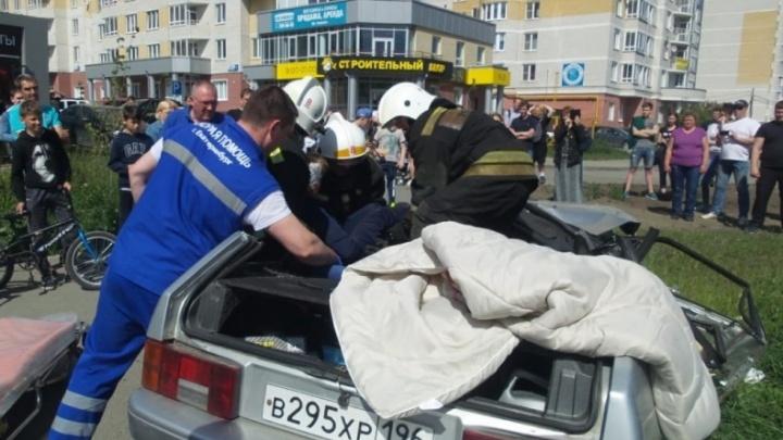 «Сердце не выдержало»: скончалась пассажирка ВАЗа, который после ДТП на Московской сбил коляску