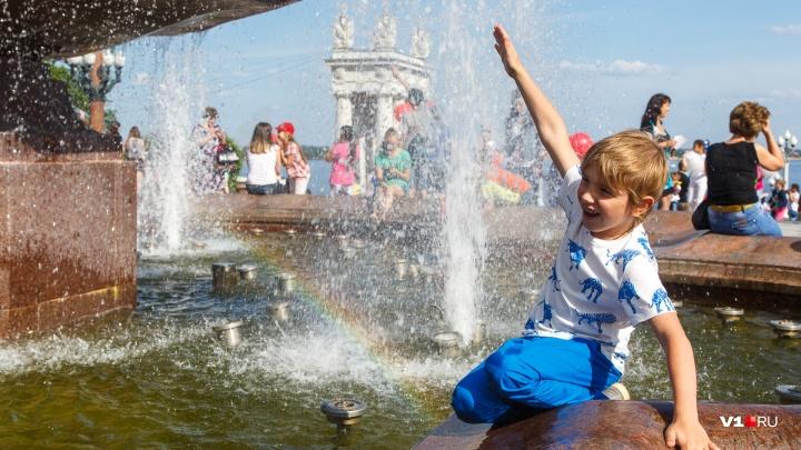 С места в карьер: Волгоградскую область в первый день лета пропечет до +37 градусов
