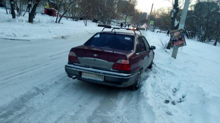 Трусливо и не по-мужски: челябинка осталась у разбитого корыта из-за слабовольного автомобилиста