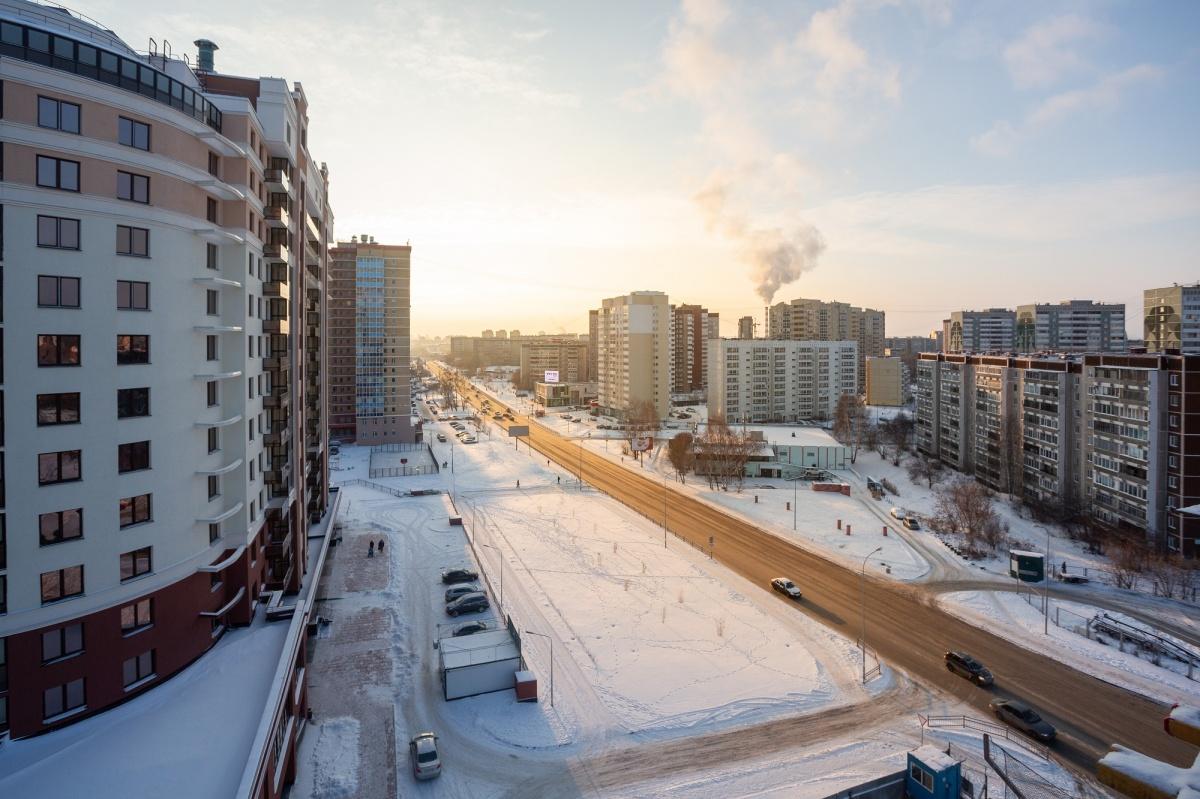 Под окнами «Первого Николаевского» проходят маршруты общественного транспорта