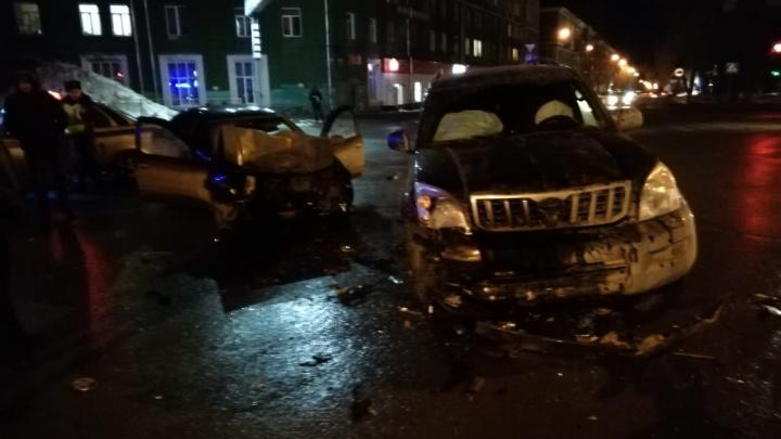 В Ленинском районе произошла серьёзная авария — есть пострадавшие