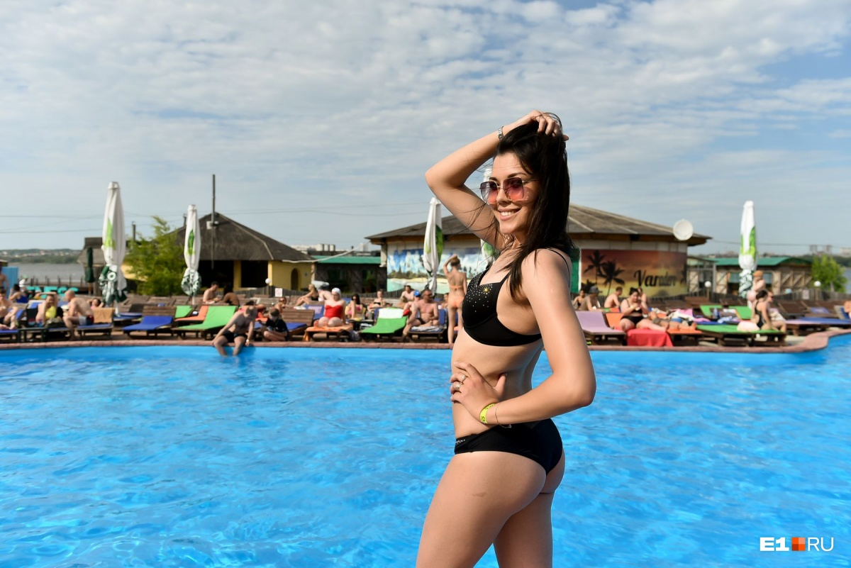 Владельцы Cuba Beach Club говорят, что сюда моментально приезжают десятки девушек, как только выглядывает солнышко