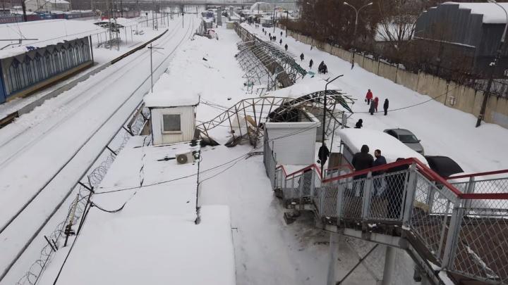 Последствия обрушения крыши возле Кировского рынка сняли на видео