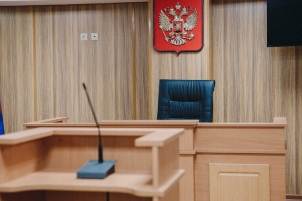 Мужчина похитил у четырех клиентов почти три миллиона рублей. Сейчас он дожидается суда за кражу в особо крупном размере