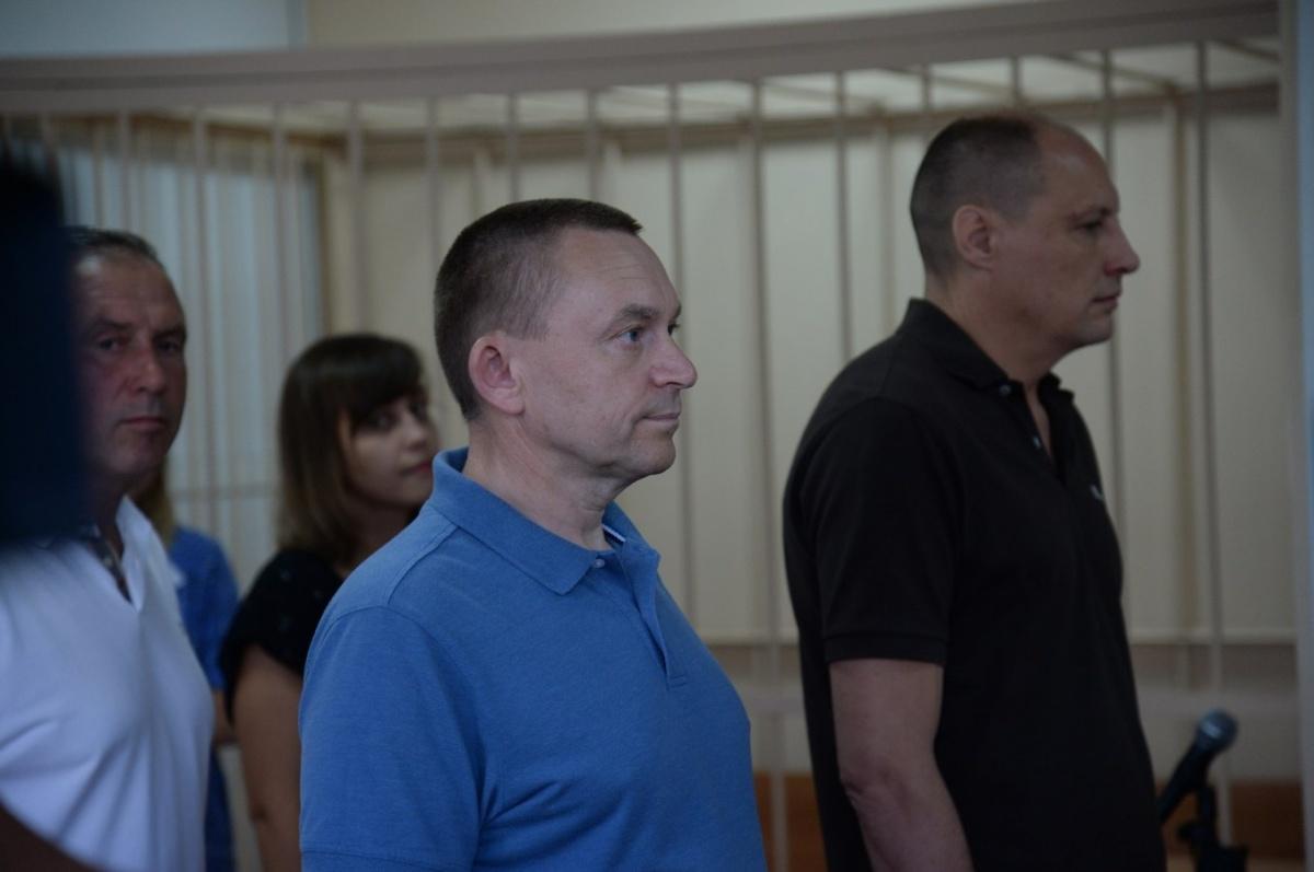 Суд над Александром Путиным (слева) и Сергеем Новожиловым шёл два года