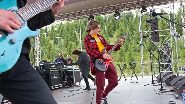 Только хардкор! Уфимские рокеры спелись на Дне 1000 музыкантов