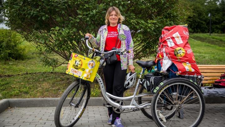 Велосипедистка с тяжёлой болезнью проехала тысячи километров и остановилась в Новосибирске