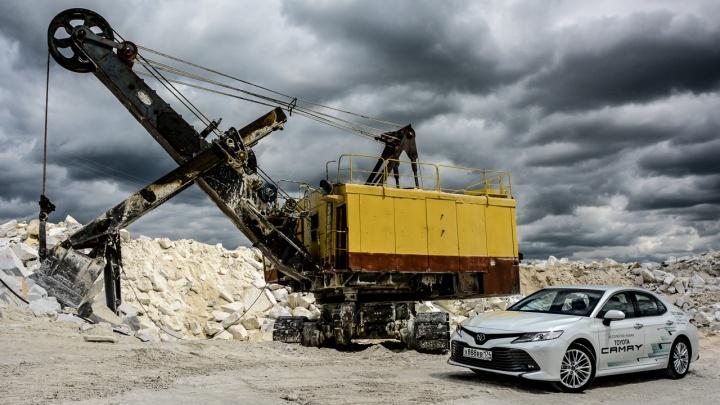 Назло фанатам: оцениваем радикальное преображение Toyota Camry