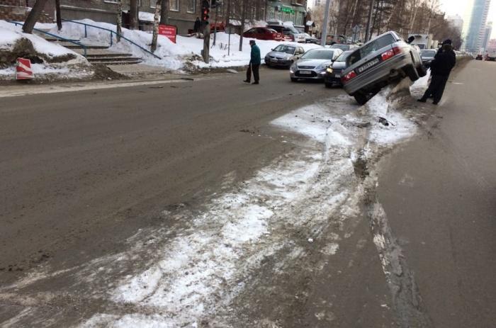 «Волга» пробила бензобак