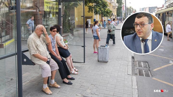 Директор департамента транспорта прокомментировал простои автобусов в Ростове