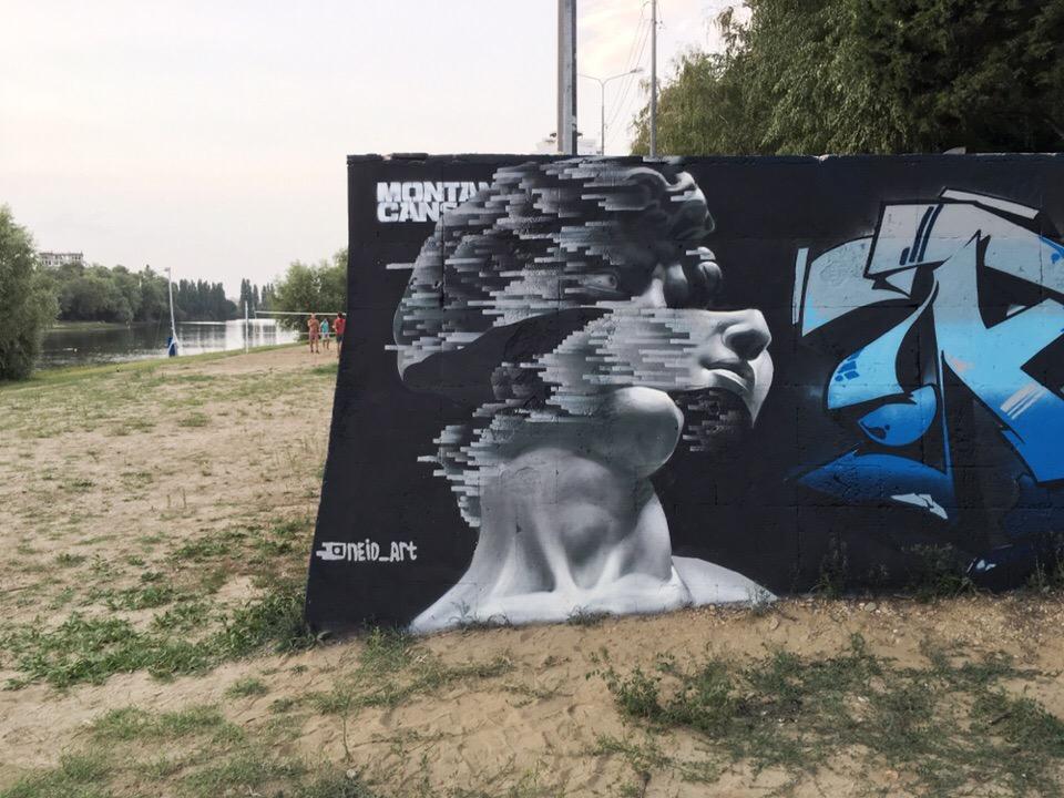 Художника, рисующего в необычном стиле, заметили на фестивале в Краснодаре