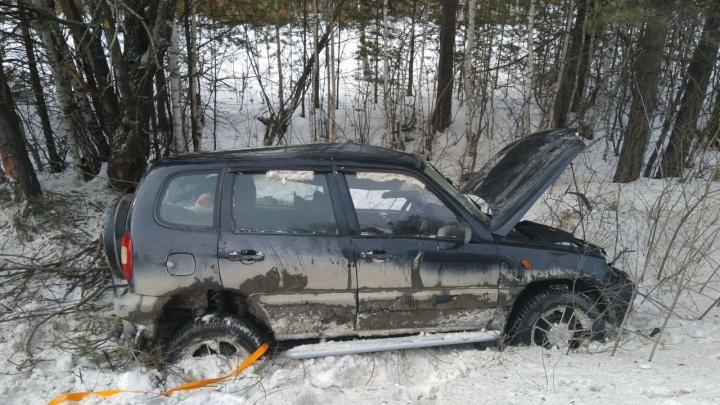Под Сысертью погибла водитель Niva — еёмашина слетела с дороги и перевернулась
