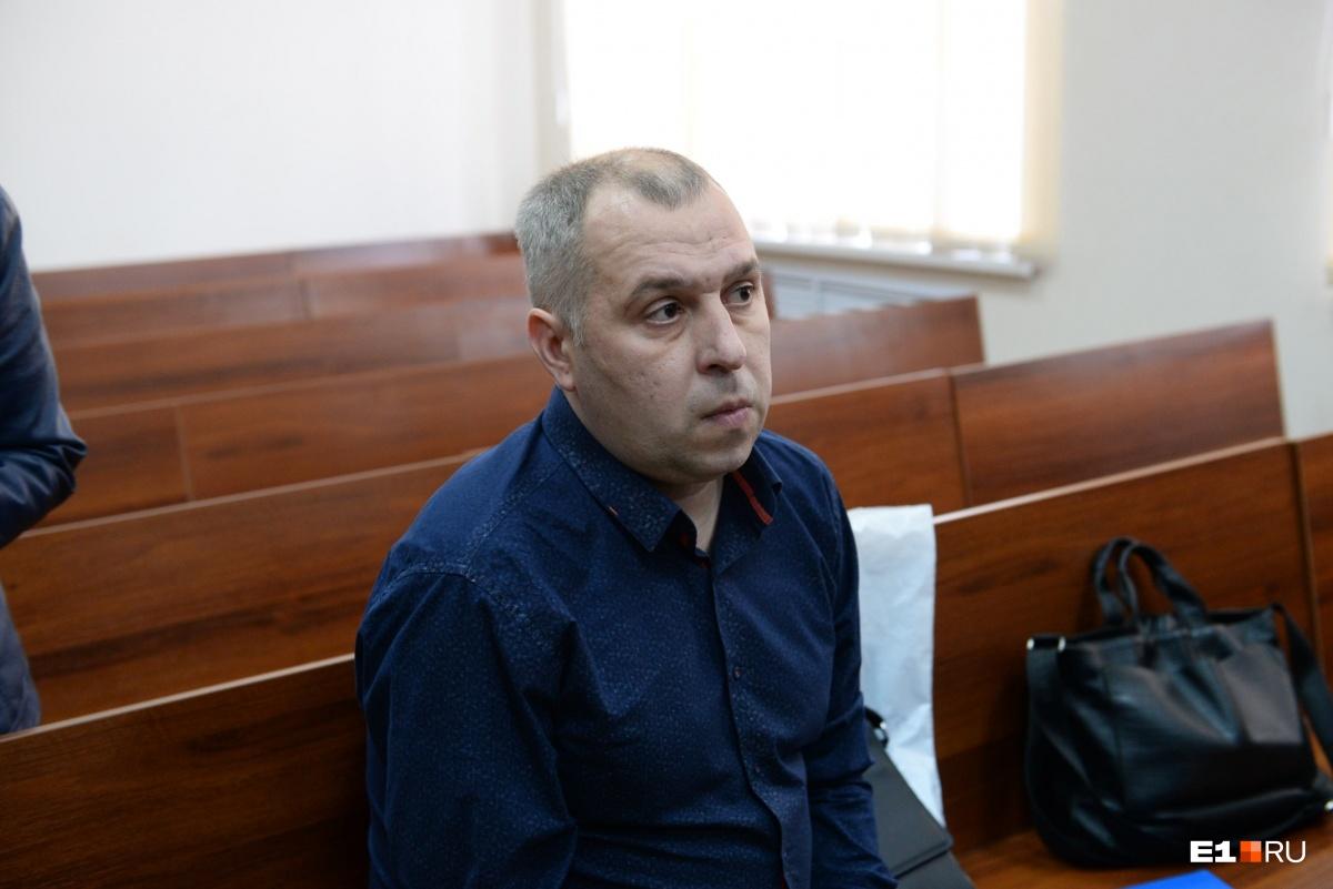 Кирилл Генералов, который проходит по делу потерпевшим, не стал общаться с журналистами