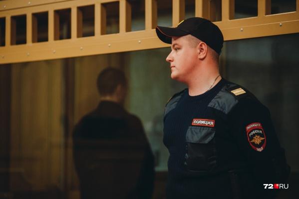 30-летний мужчина отправится в колонию строгого режима на девять лет. Один из его подельников отправится за решетку на 11 лет, еще четверо ждут решения суда