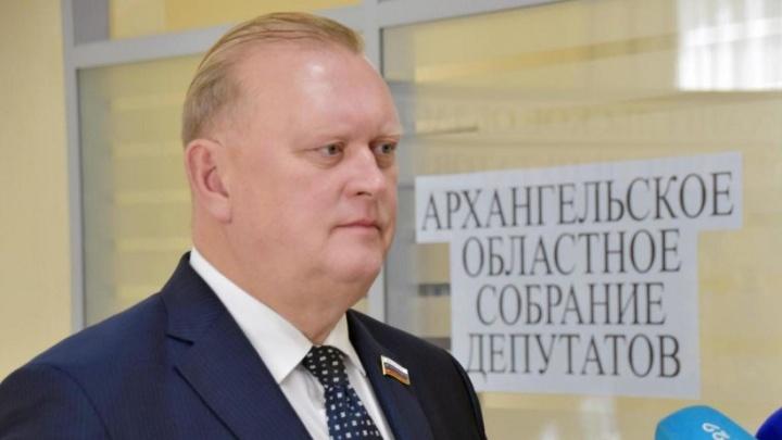 «Можем гордиться здравоохранением Архангельской области»: реакция депутатов на отчет губернатора