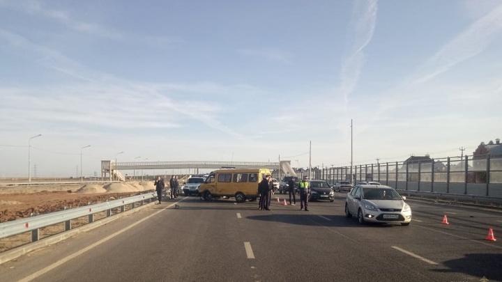 Есть несколько пострадавших: в Волжском снова крупное ДТП