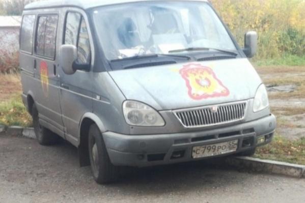 Автомобиль одной из омских казачьих организаций