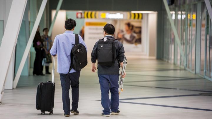 Рейс из Китая в Новосибирск задержали на 27 часов